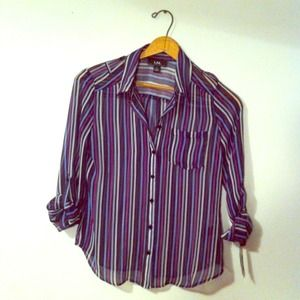 ✂Reduced striped button up blouse✂