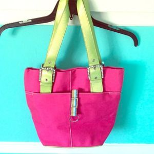 Nine West authentic pink handbag with keychain