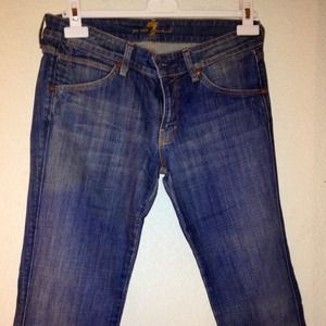 Reduced! 7 For All Mankind Cropped Capri Jean