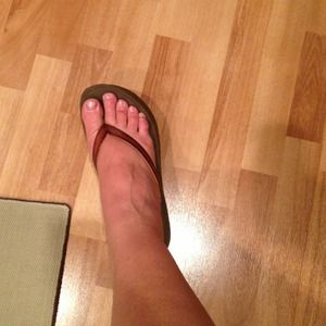 American Eagle size 9 leather strap sandals!