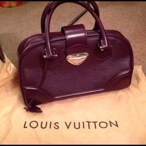 ✋At Consignment✋  Authentic Louis Vuitton Epi