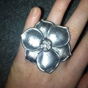 gorgeous flower statement ring!
