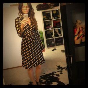 Diane Von Furstenberg 100% silk jersey wrap dress