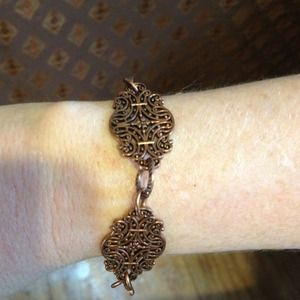 Bangle style cooper bracelet.