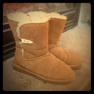 Boots - Bearpaw cozy boots!