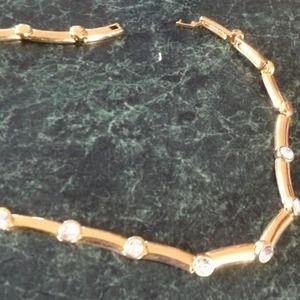 Jewelry - Goldtone with diamond like jewels