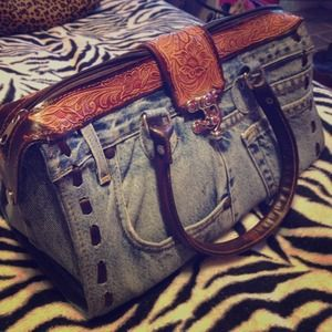 Handbags - Vintage blue jean purse!