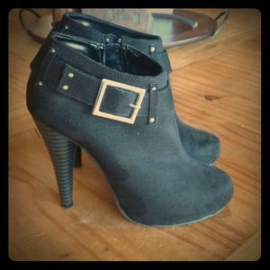 Shoes - Wow!  Did you see these boots!!!!