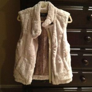 Sanctuary faux fur vest, only worn once!