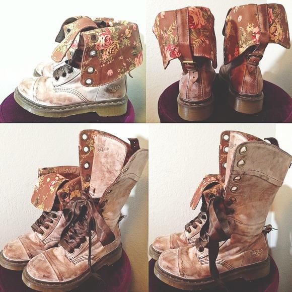 Dr. Martens Shoes - Dr. Martens Triumph 1914 Floral Boot *BUNDLED 1itm