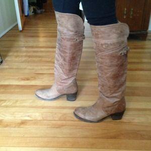 like new frye boots