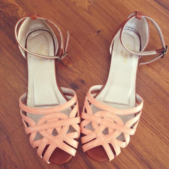 Boutique || Coral Ankle Strap Sandals
