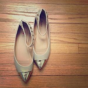 Tan and Gold cap toe flat
