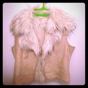 Faux fur vest. ❗Just Reduced❗