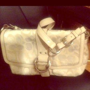 Coach shoulder purse Gorgeous