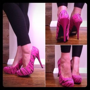 Animal swirl and hot pink pumps