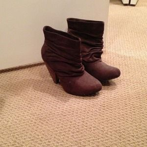 Chinese Laundry chocolate brown suede booties