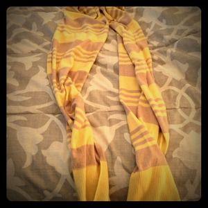 Striped Gap scarf. Tan and yellow