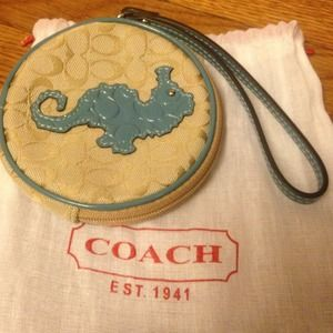 Auth coach wristlets logo bag cute new