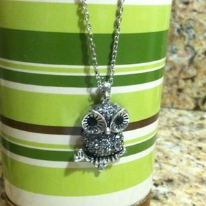 Jewelry - Owl rhinestone necklace