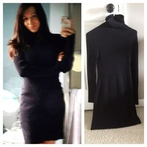 Sweaters - Super flattering wool black turtleneck dress.