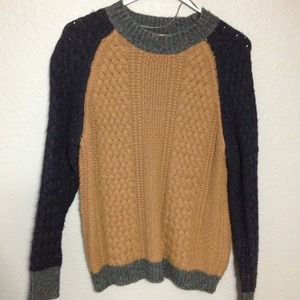 ⭕️sold⭕️Zara knit sweater
