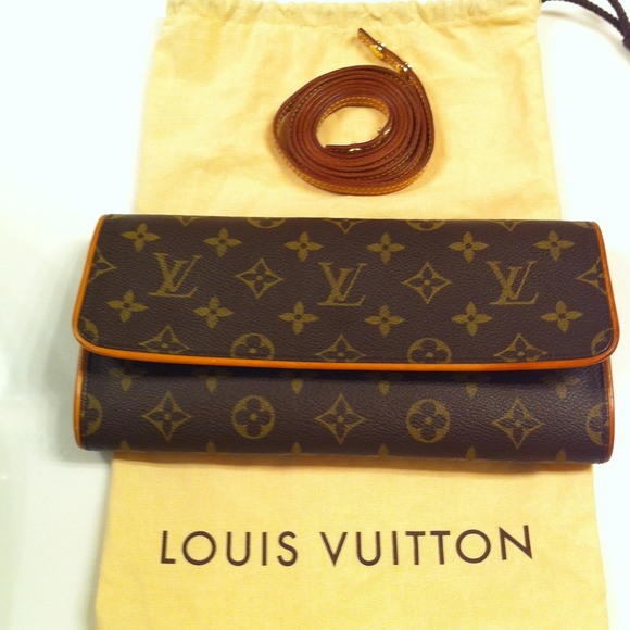 39706c748ee Louis Vuitton Bags   Sold Lv Pochette Twin Gm Reduced 230   Poshmark