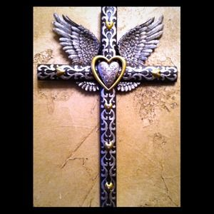 Other - 👇Reduced 👇✨WINGED HEART WALL CROSS NEW IN BOX✨