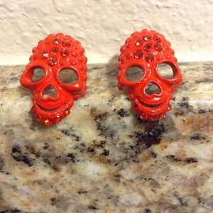Jewelry - ⚡️flash sale⚡️Red skull earrings