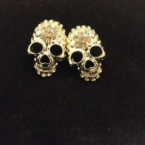 Jewelry - Silver skull earrings