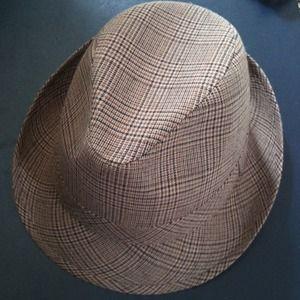 NWOT  Houndstooth hat