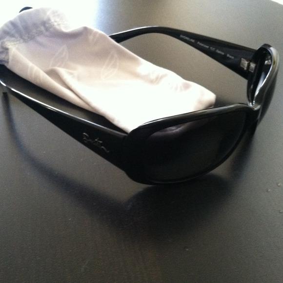 488fa645d89 Accessories - Smith Shoreline polarized sunglasses!