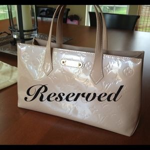 RESERVED-Authentic LV Wilshire PM Rose Flore