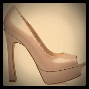 Shoes - Marilee (ShoeDazzle) Platforms Size 6.5 Taupe