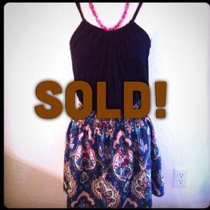 Fun & flirty! Sz M / L Black tank & pattern dress