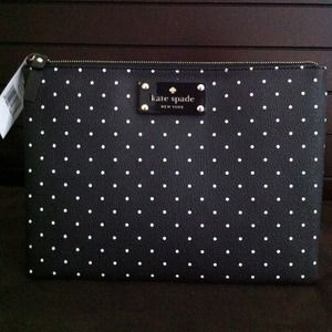 kate spade Bags - 🎉HP 2/27‼️🎉Kate Spade Blk/White Polka Dot clutch