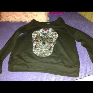 Beautiful black sweater with skull