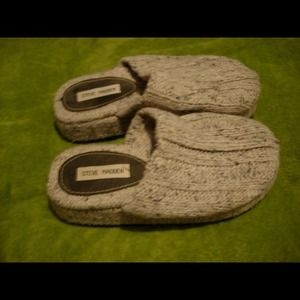 💖💖SOLD💖💖 Steve Madden Knit Slippers Size 8