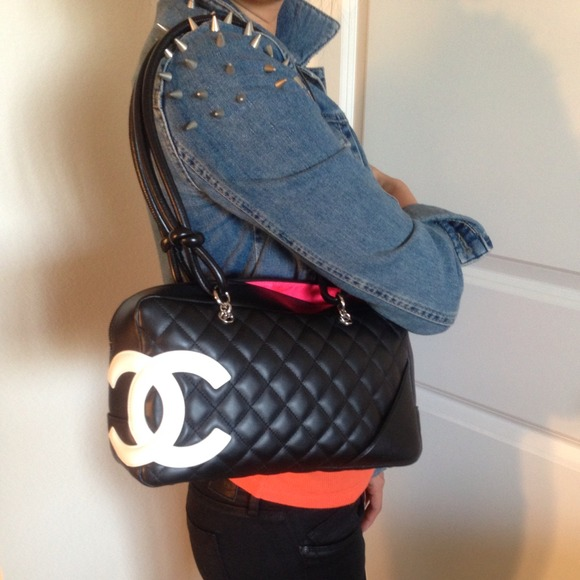 3b6d562d2885 CHANEL Handbags - Authentic Chanel Cambon Bowling bag