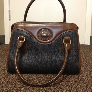 Vintage Dooney and Bourke Bag!