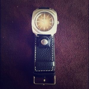 Fossil men's all leather Watch!