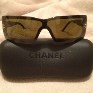 NOT AVAILABLE! Chanel sunglasses | Authentic