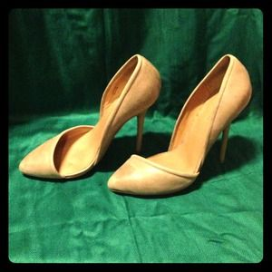 Flesh tone pumps by L.A.M.B.