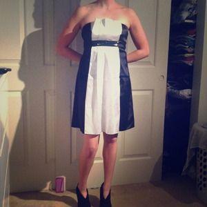 Dresses & Skirts - Black and white formal dress, size 5