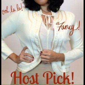 Jones New York Sweaters - HOST PICK! Jones New York Off White Cardigan