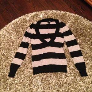 Black & metallic H&M sweater