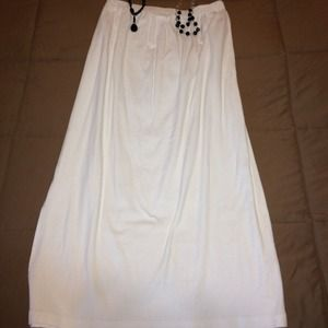 Dresses & Skirts - Sold Bundled!!! Long white skirt 28 long 👍👍👍