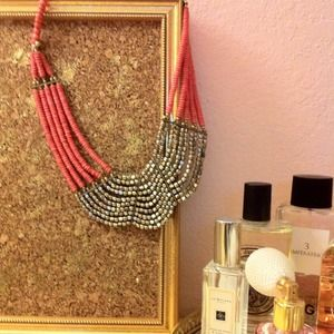 Jewelry - ✨REDUCED! - Coral beaded bib necklace