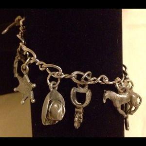 Jewelry - Awesome western style pewter bangle bracelet