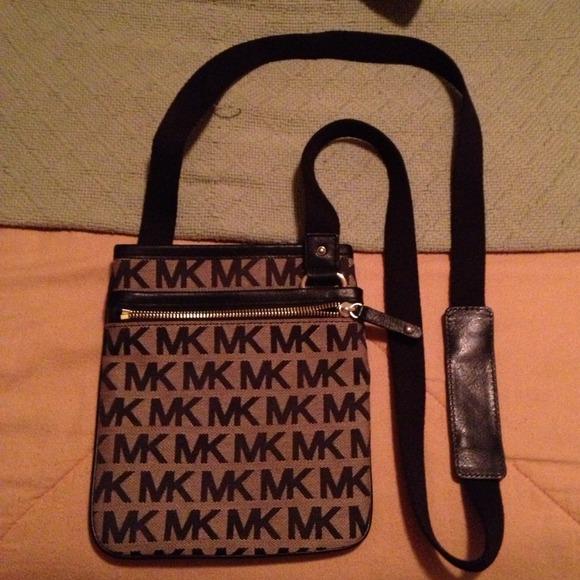 2d0136bffb05 Michael Kors Bags | Crossbody Bag Brownblack | Poshmark